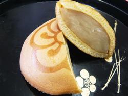 やわらかく弾力のある皮に隠元豆を使用したあんがたっぷり入っています。元祖、成金饅頭の味をぜひ一度ご賞味ください。